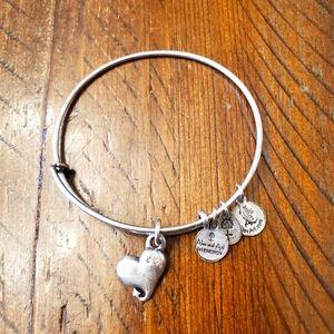 🎈2/$15 Alex and Ani bracelet- Heart